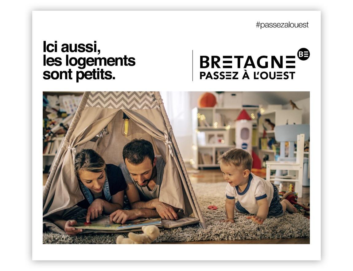 Notchup campagne publicité Région Bretagne Passez à L'Ouest avec parents enfant bébé tente logements petits